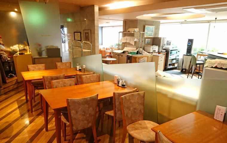 ミールズ江坂 食堂